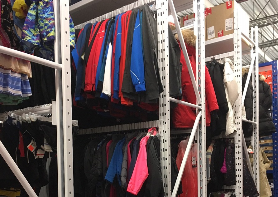 Fixed shelving storage system, Sport Expert